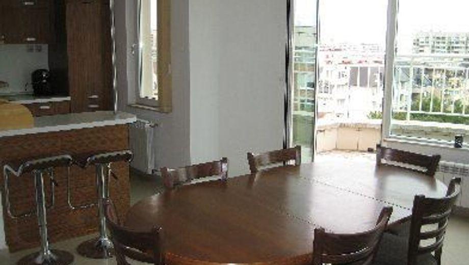 тристаен апартамент софия prg6hepq