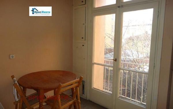 тристаен апартамент софия pvcd7ssp