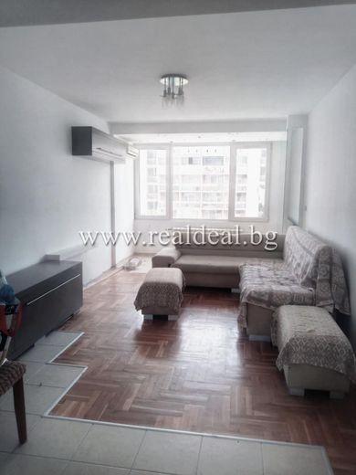 тристаен апартамент софия qeg2rt8r
