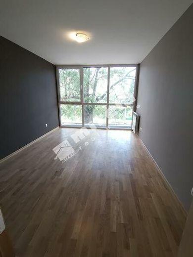 тристаен апартамент софия qfth3xpc