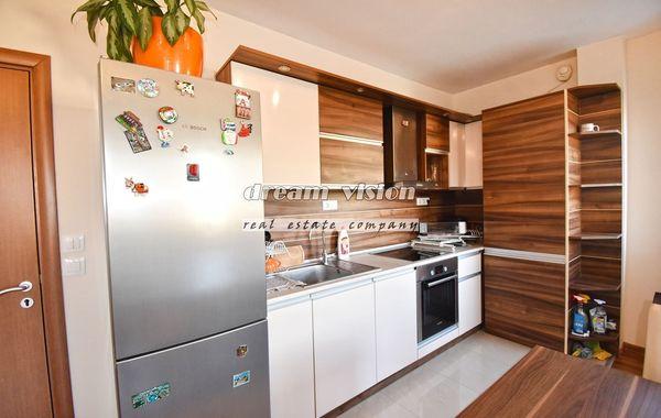 тристаен апартамент софия qmxb9v3m
