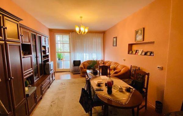 тристаен апартамент софия qr25skd1