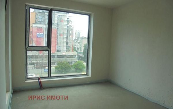 тристаен апартамент софия qsdq37m1