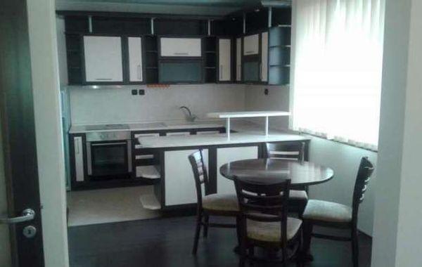 тристаен апартамент софия qwqsdbr3