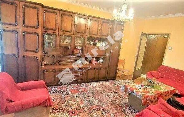 тристаен апартамент софия rlcjeu23