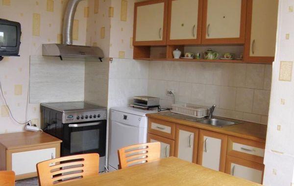 тристаен апартамент софия rqr9766k
