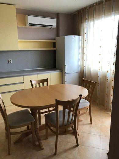 тристаен апартамент софия rtth6g5a