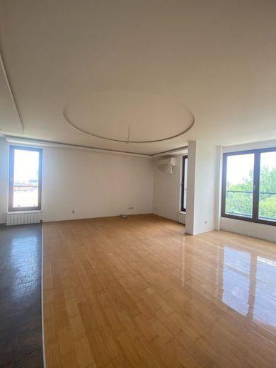 тристаен апартамент софия sbhstvku
