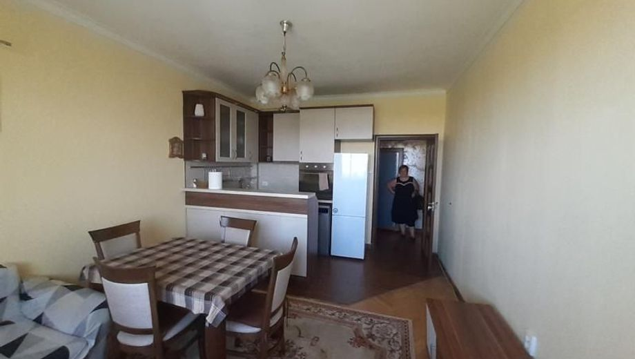 тристаен апартамент софия sw46jd28