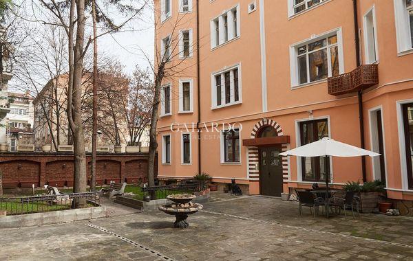 тристаен апартамент софия trwl3uqv