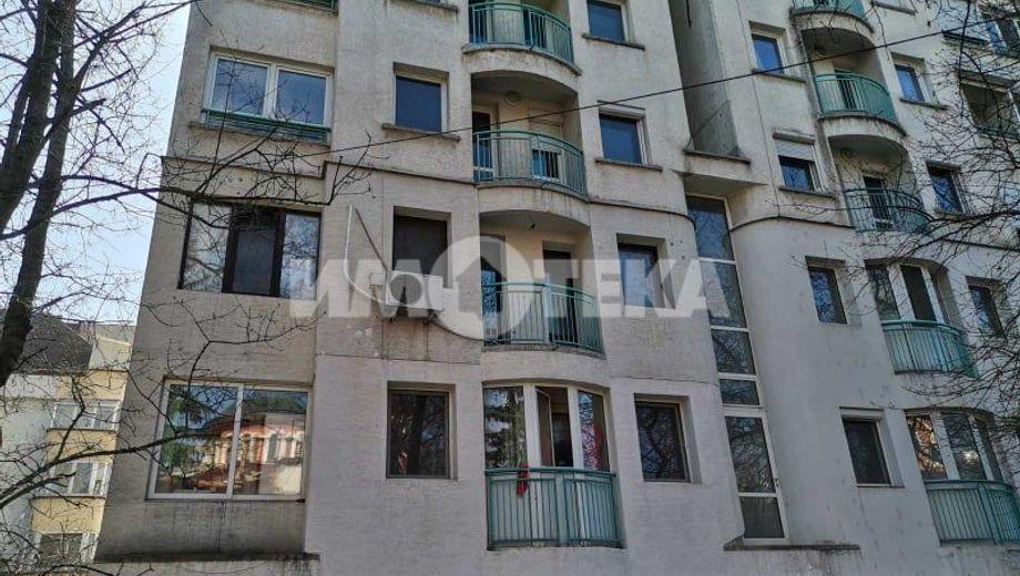 тристаен апартамент софия u2ef6y7c