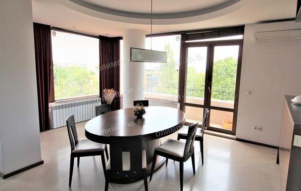 тристаен апартамент софия ujq3d998