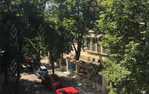 тристаен апартамент софия ururjr3k