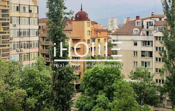 тристаен апартамент софия v9cn9s7m