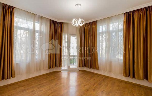 тристаен апартамент софия vddrwjfd
