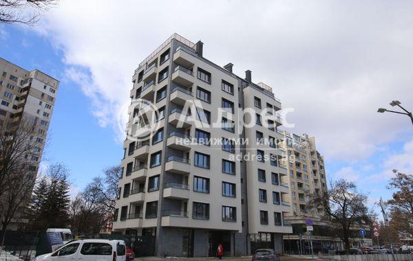 тристаен апартамент софия ve8m3rt8
