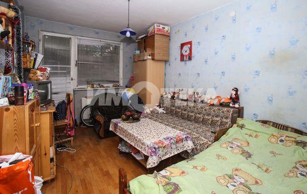 тристаен апартамент софия vv7ybes8