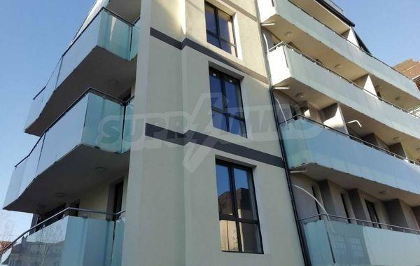 тристаен апартамент софия w4rxxd5q
