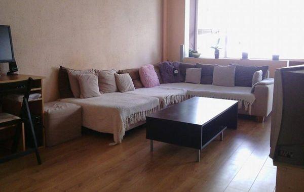 тристаен апартамент софия wb8nal6p