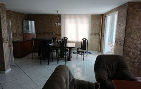 тристаен апартамент софия wry6d489