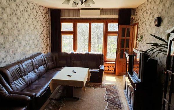 тристаен апартамент софия wvu2f73r