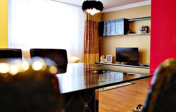 тристаен апартамент софия xk7h55hj