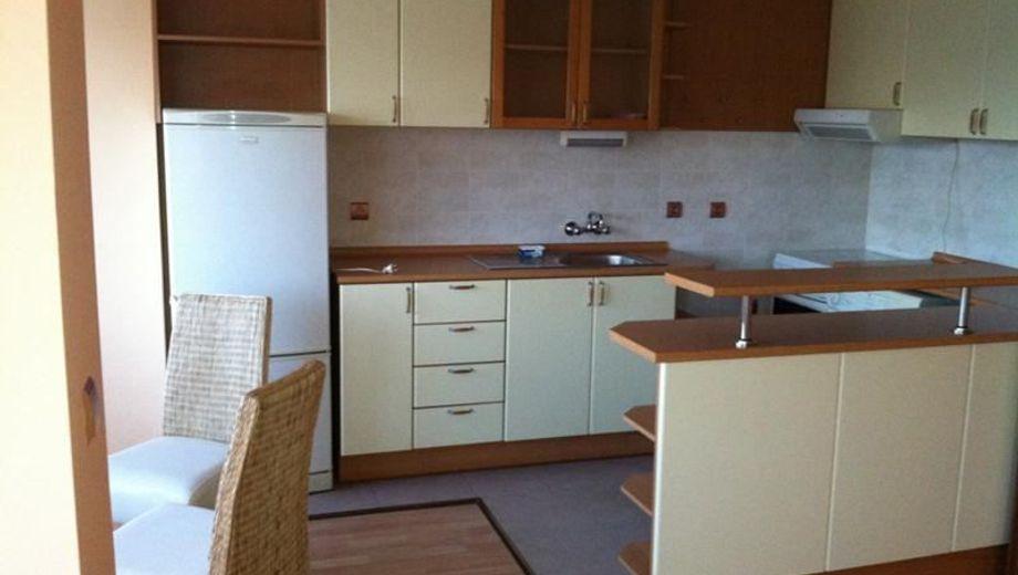 тристаен апартамент софия xq8x1spl