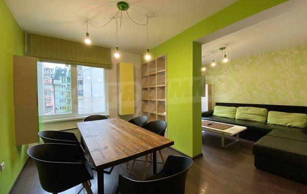 тристаен апартамент софия xuufc565