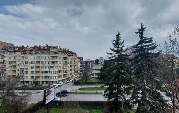 тристаен апартамент софия xvyg2xyb
