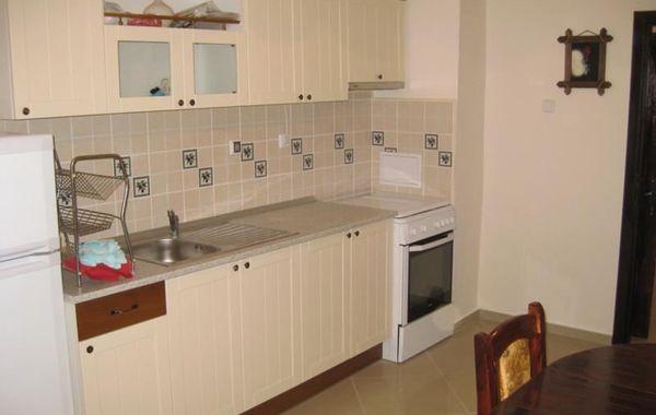 тристаен апартамент софия y1r36pbk