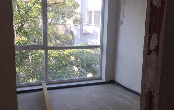 тристаен апартамент софия y2qqheqf
