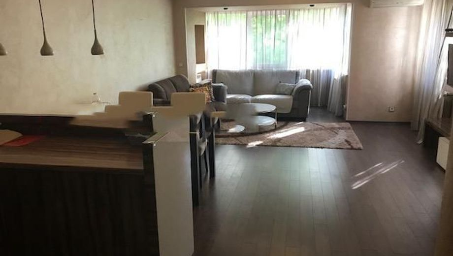 тристаен апартамент софия y3u67nc3