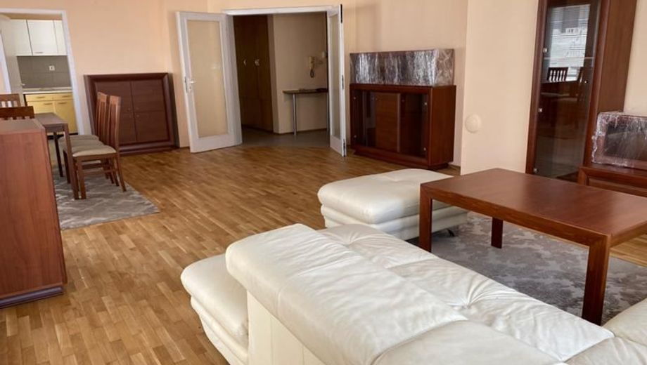 тристаен апартамент софия y4hrey87