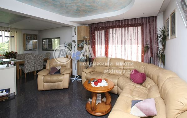 тристаен апартамент софия ye57bjrr