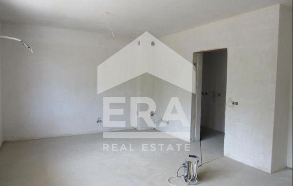 тристаен апартамент софия yfk543nq