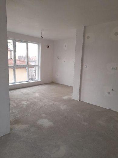 тристаен апартамент стара загора m47pgb71