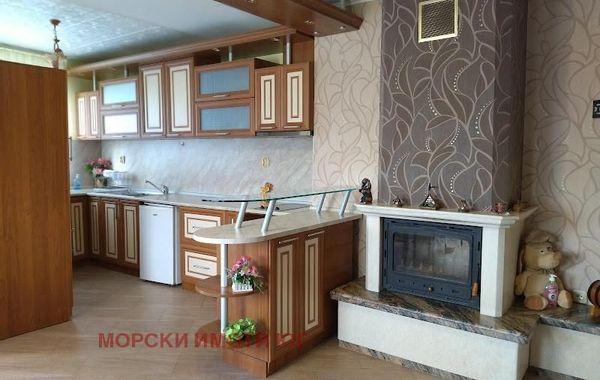 тристаен апартамент царево pbxwtv8t