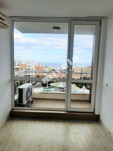тристаен апартамент черноморец ky8r2mc6