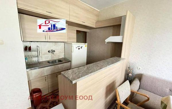 тристаен апартамент шумен 3q8aewwc