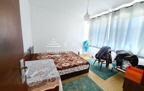 тристаен апартамент шумен 6s6nkxrb