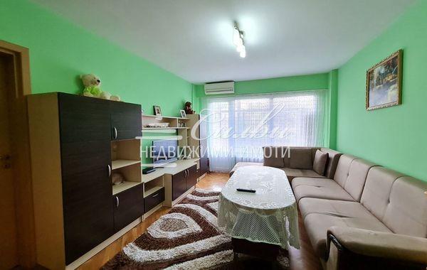 тристаен апартамент шумен 97whtuvr