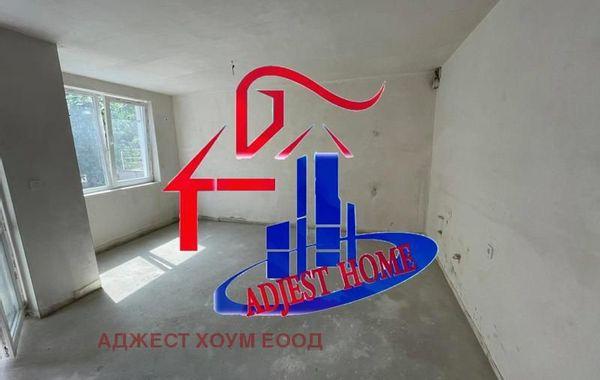 тристаен апартамент шумен aguhdjn7