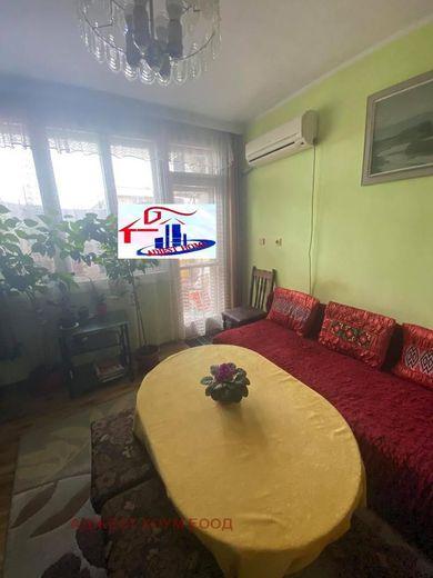 тристаен апартамент шумен ld7d1esa