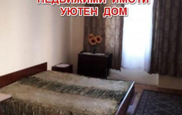 тристаен апартамент шумен luuft63d