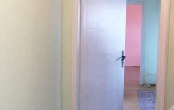 тристаен апартамент шумен wnv3n4uj
