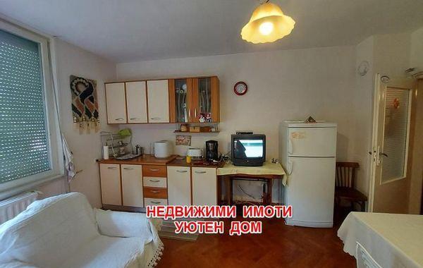 тристаен апартамент шумен y837t5gt