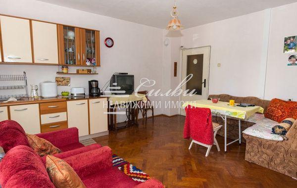 тристаен апартамент шумен yq126w75