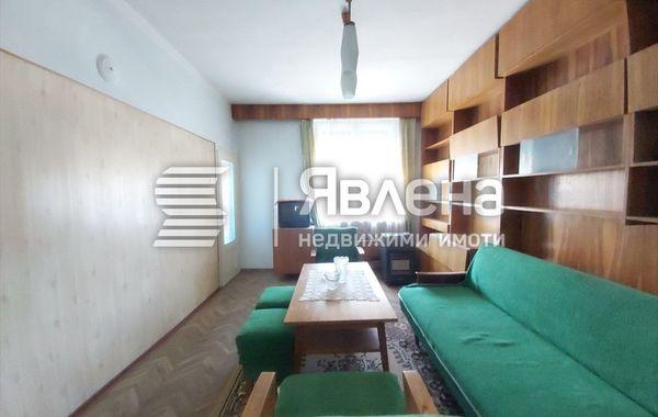 тристаен апартамент ямбол 2aq1wk38