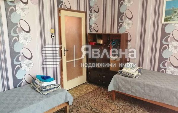 тристаен апартамент ямбол 34qjn6qw